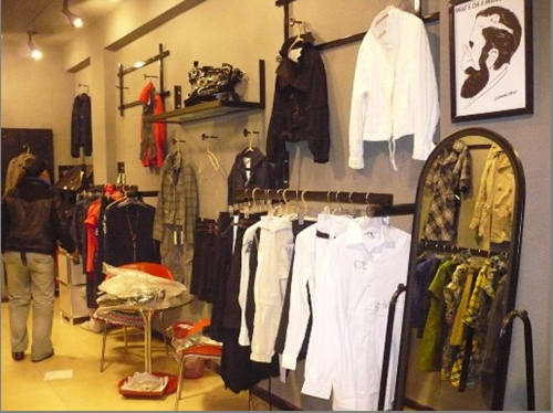 简装修小服装店图 个性小服装店装修图 小平米服装店装修图高清图片