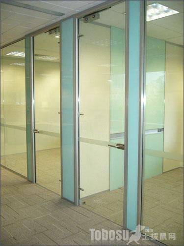 教你5招如何使用玻璃隔断