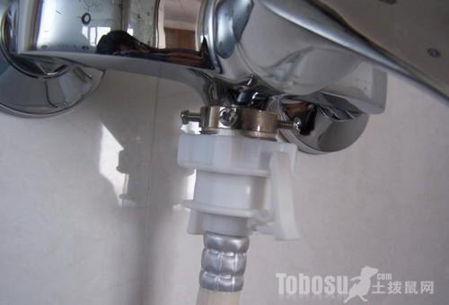 洗衣机排水管漏水
