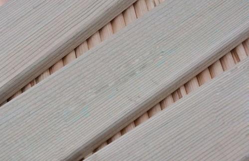 从表面工艺看防腐木的质量