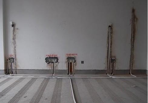吊顶时电线布置