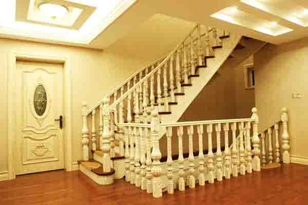 实木楼梯怎么保养 实木楼梯保养方法