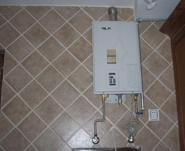 热水器怎样安装 燃气热水器安装注意事项图片