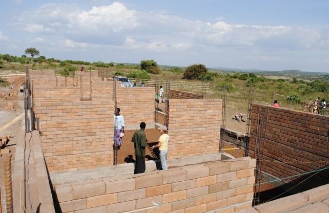 砖混结构房屋是指以砖砌体和钢筋混凝土梁,板作承重构件的房屋.