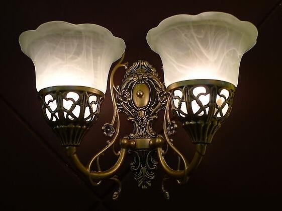 壁灯适合安装在哪里 壁灯的安装方法