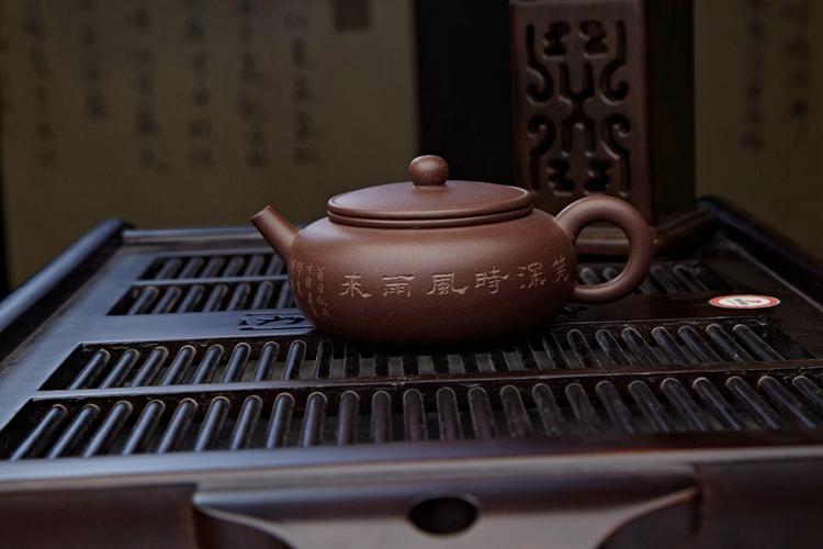 大师纯手工制作紫砂壶