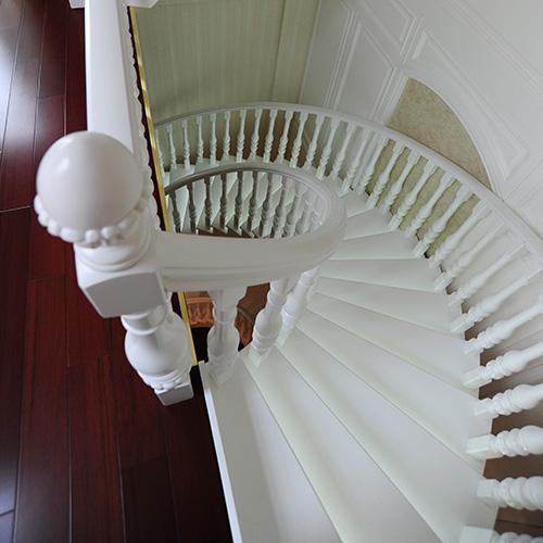 产品分类: 别墅楼梯  产品参数:原木楼梯,实木楼梯,立柱 801#,柱头
