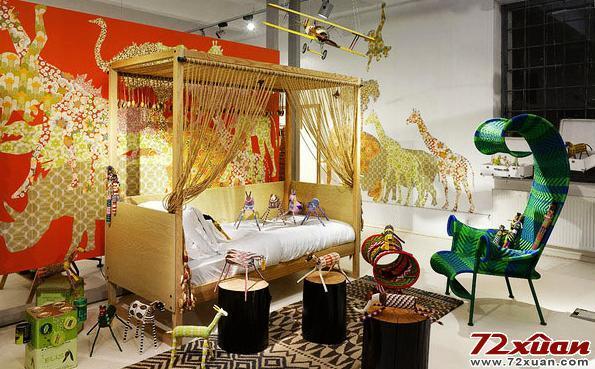 一个温馨的小床,各种小动物的摆设
