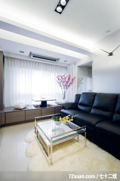 洪韡华,客厅,升降桌,造型天花板,冷气摆放设计,造型沙发背墙,观景窗