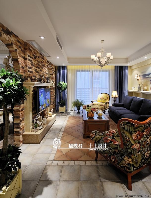 美式田园风格客厅电视背景墙设计图片 (13/15)图片