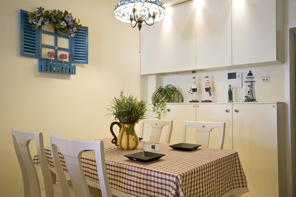中海风格小餐厅餐边柜装修效果图 1 3高清图片