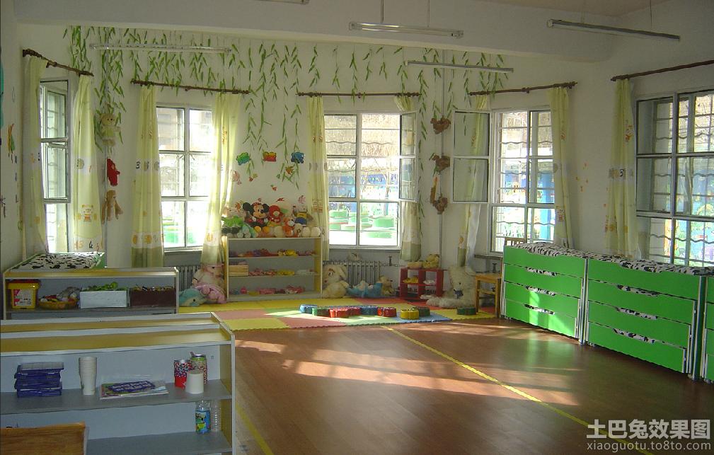 幼儿园大班主题墙环境布置:快乐小学   幼儿园大班教室植物