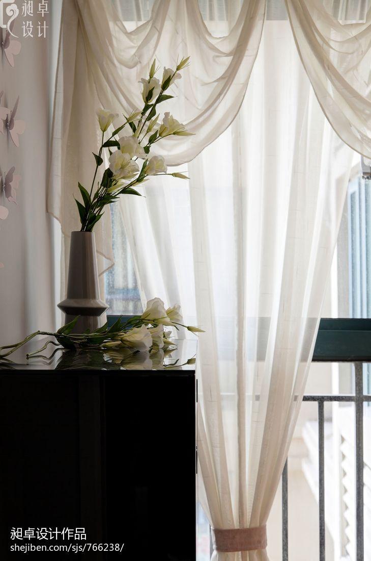 小户型客厅白色窗帘效果图 (16/23)
