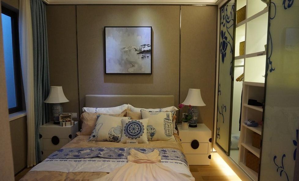中式风格小户型卧室床头挂画照片墙效果图装修效果图