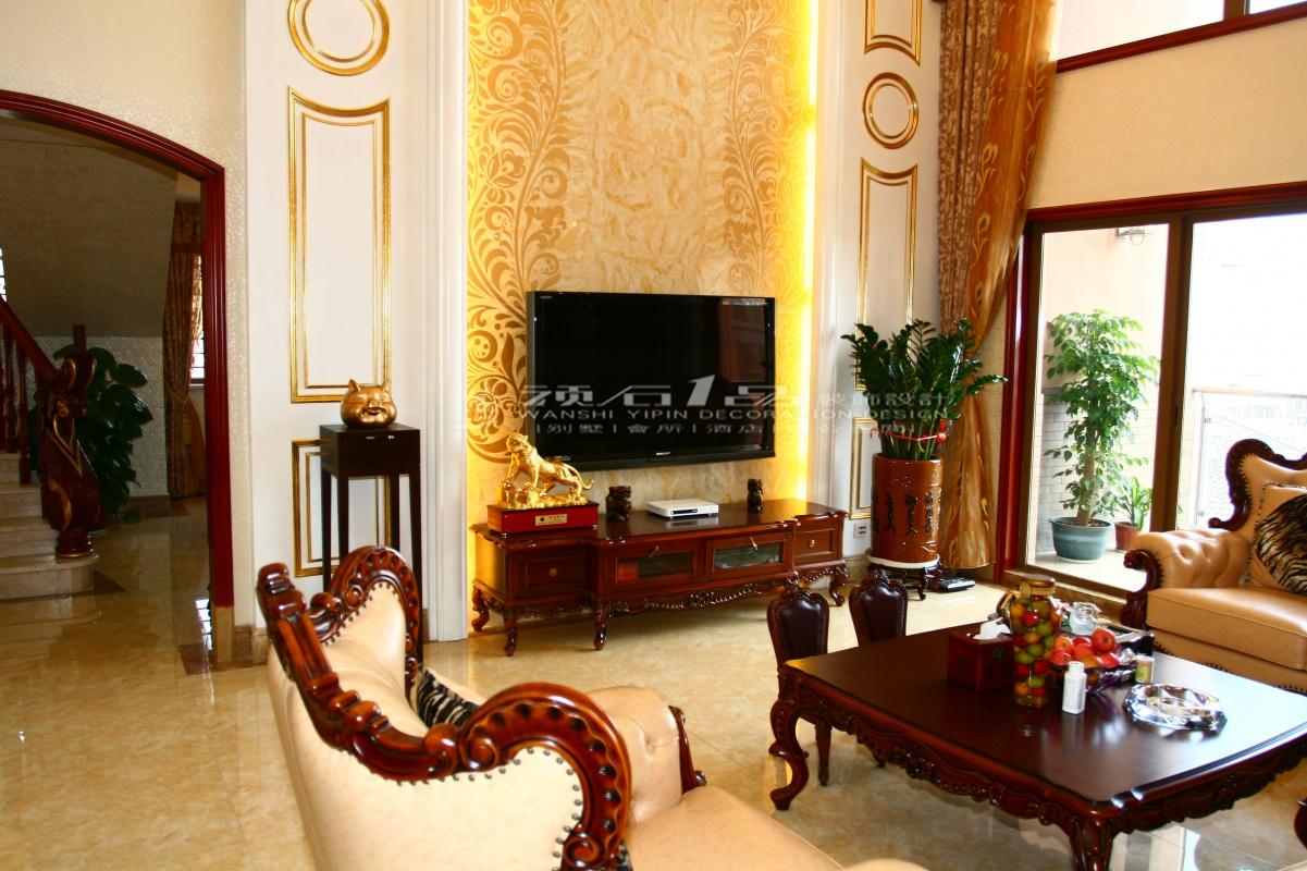 美式别墅客厅壁纸电视背景墙装修效果图装修效果图
