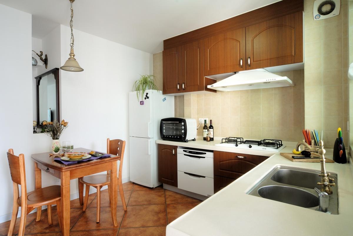 2013家装厨房餐厅一体装修效果图欣赏 (2/3)图片