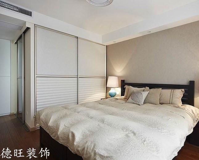 现代简约风格带卫生间卧室装修效果图 (2/5)