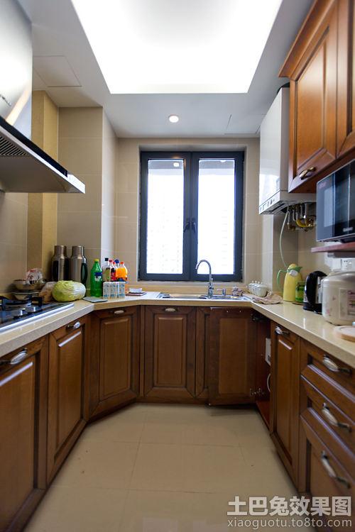 u型厨房装修实木橱柜效果图 (3/7)图片