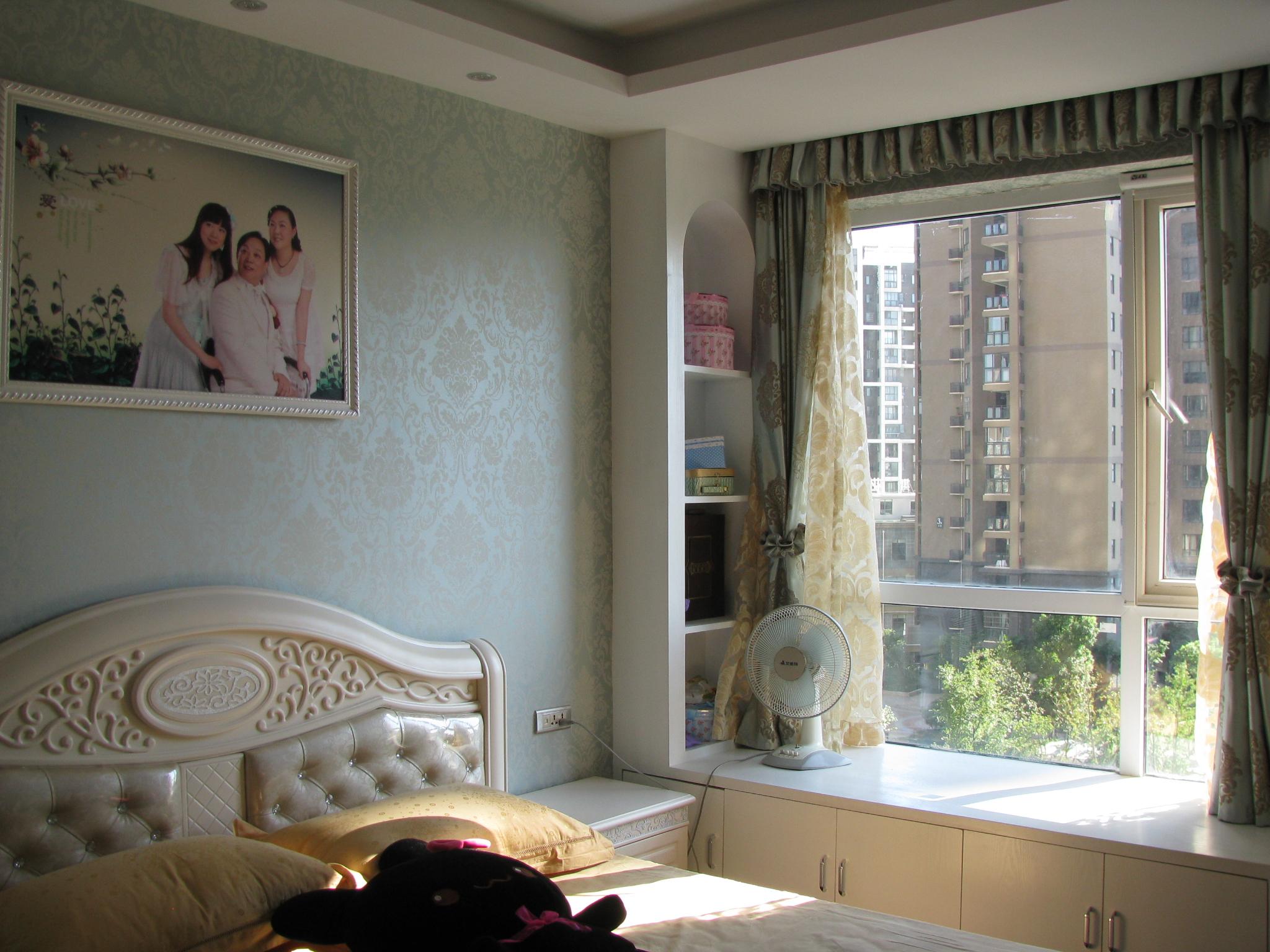 臥室大飄窗裝修設計裝修效果圖