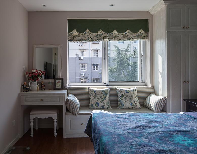 12平米主卧室沙发飘窗装修效果图 (1/3)图片