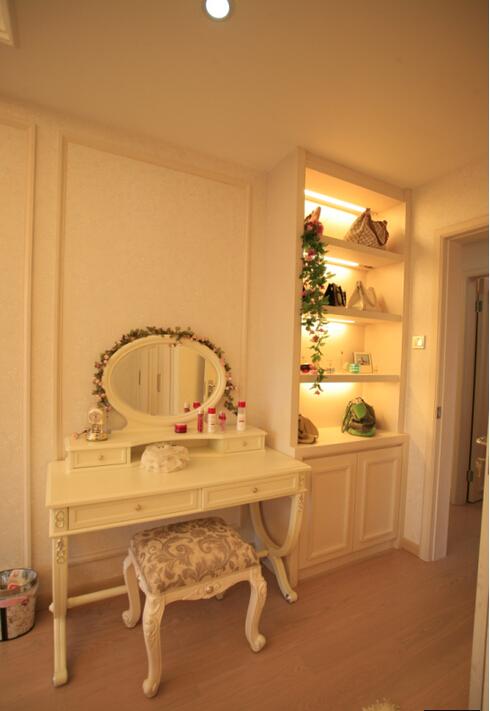欧式家具卧室梳妆台效果图装修效果图