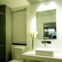 简约80平米小户型卫生间装修效果图 (4 张图)