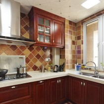 美式风格厨房集成吊顶装修效果图 (7 张图)