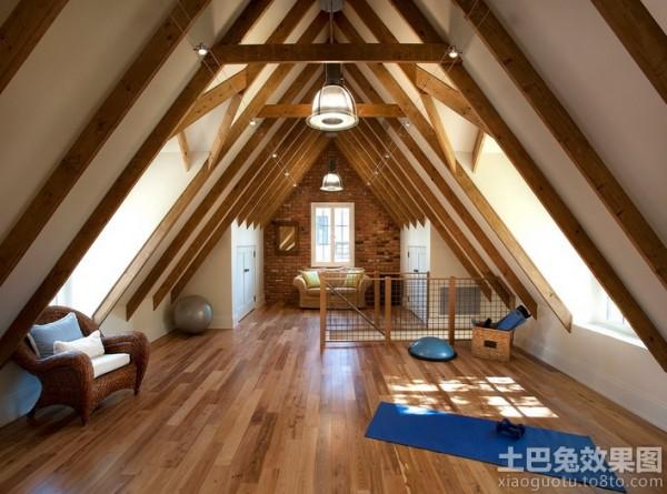 复式尖顶阁楼客厅木地板装修效果图 (3/5)