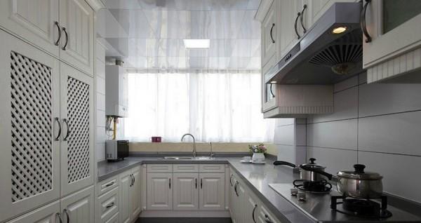 美式家居装修整体厨房效果图