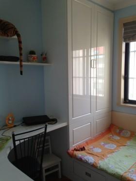 小面积卧室衣柜装修效果图
