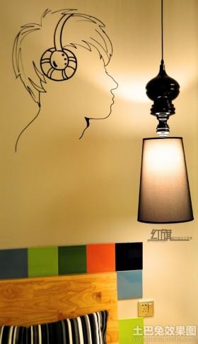 室内男孩头像黑白墙绘装饰效果图