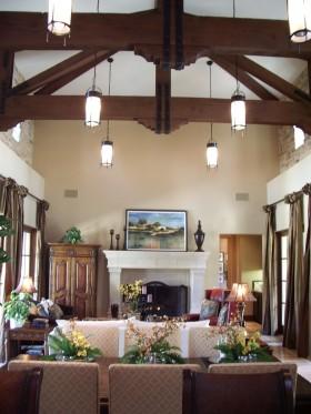 美式风格吊顶美式别墅客厅木龙骨吊顶效果图