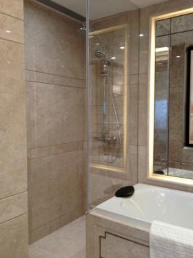 整体淋浴室瓷砖装修效果图