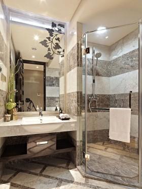 卫生间玻璃浴室装修效果图