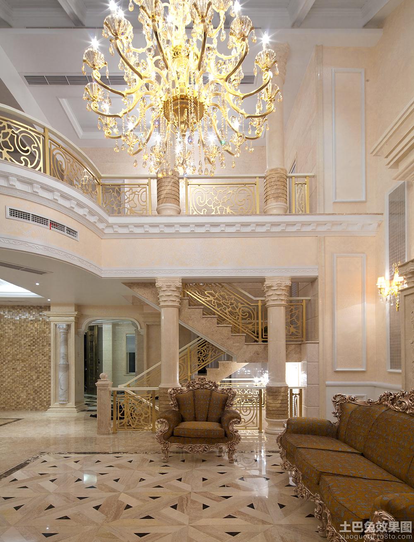 欧式别墅挑高客厅装修效果图