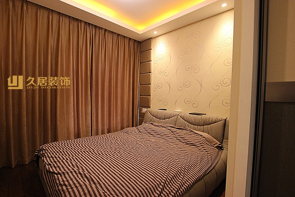 现代卧室落地窗窗帘装修效果图