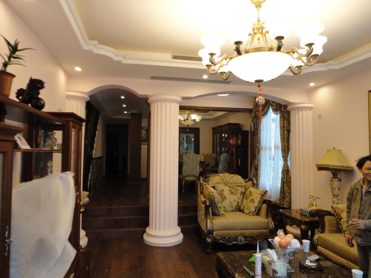 美式乡村风格复式楼客厅装修效果图图片