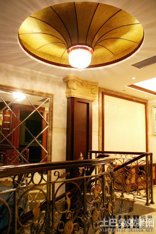 别墅楼梯间吊顶设计效果图