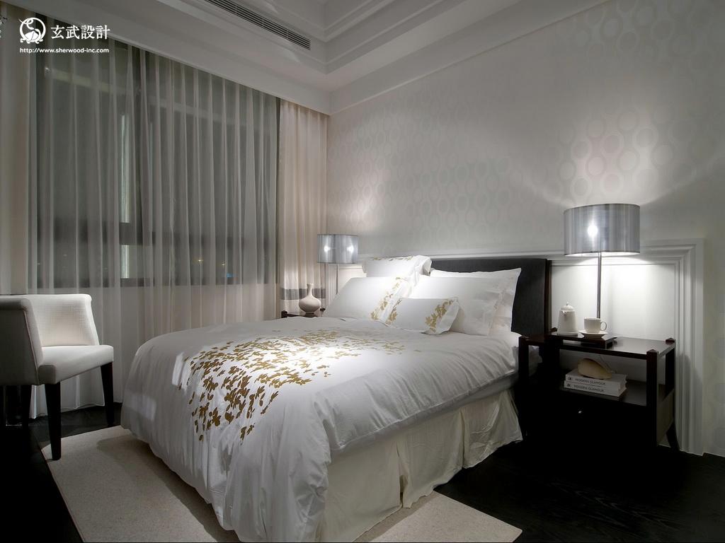 2013欧式风格主卧室床头背景墙装修效果图图片