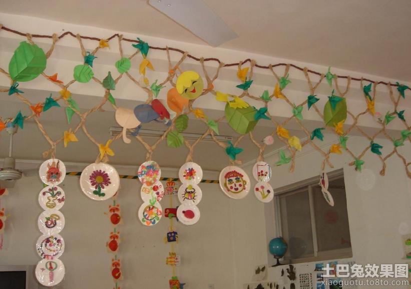 幼儿园教室吊饰布置图片