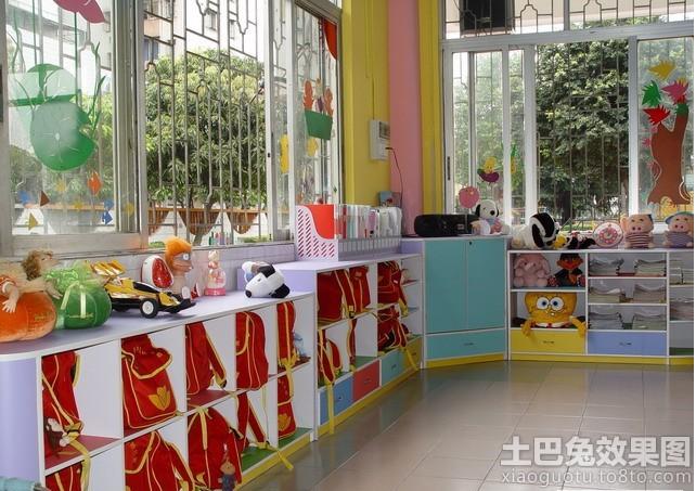 幼儿园教室窗户装饰布置图片