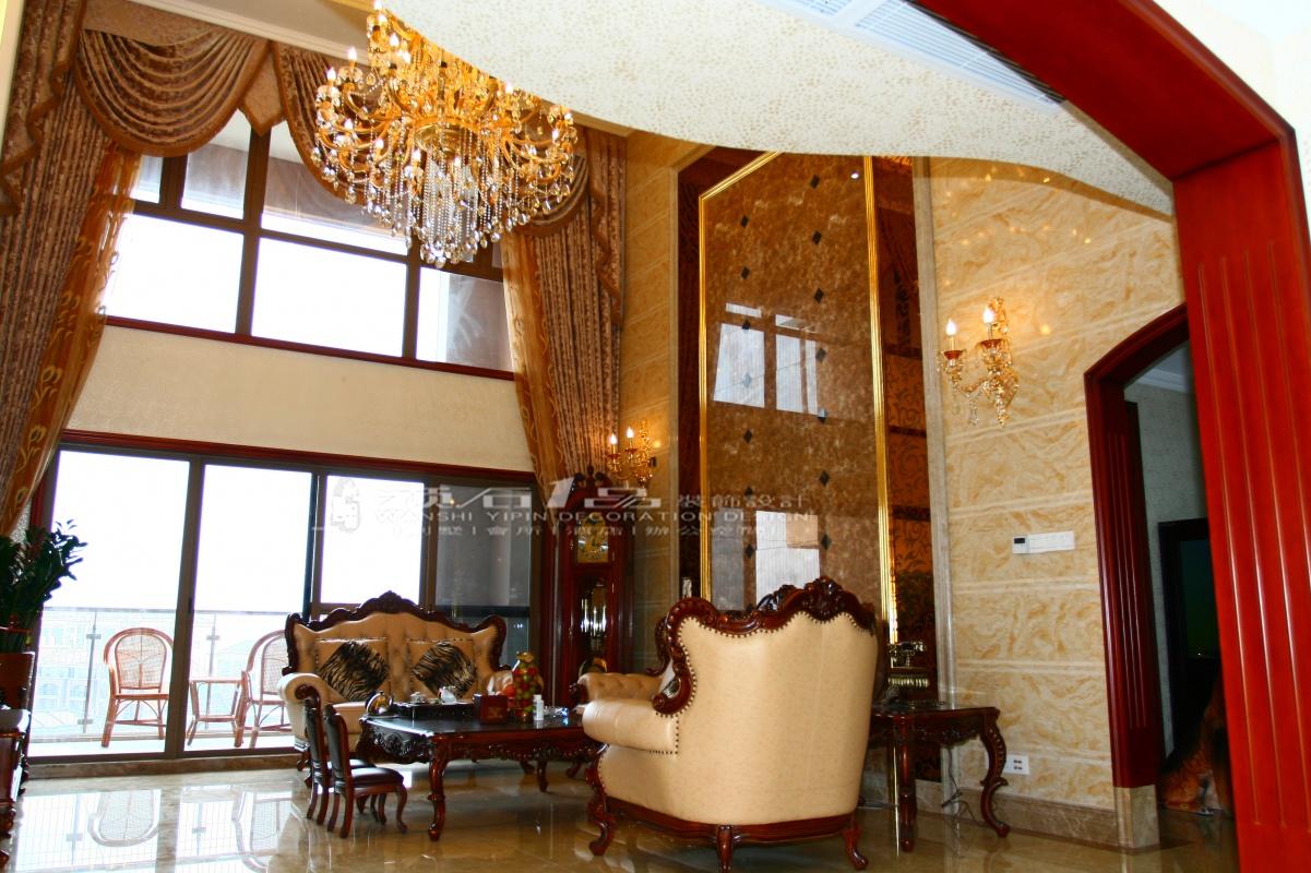 美式风格别墅挑高客厅装修效果图