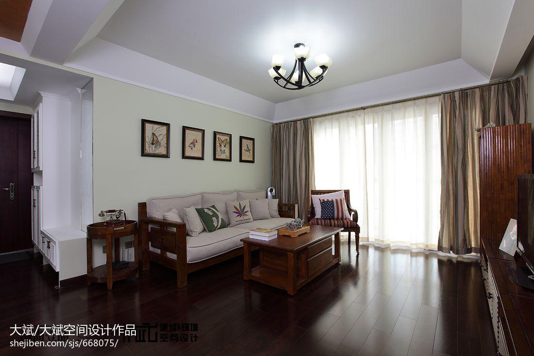 美式风格客厅实木沙发背景墙效果图