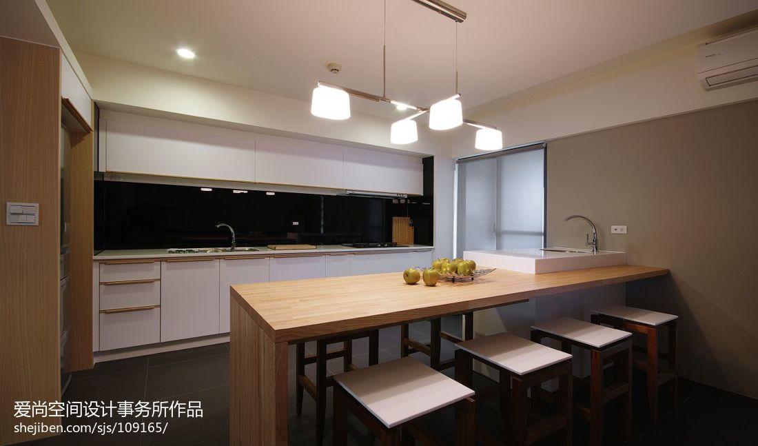 开放式厨房吧台,叫木工装修好还是叫整齐厨房装修好