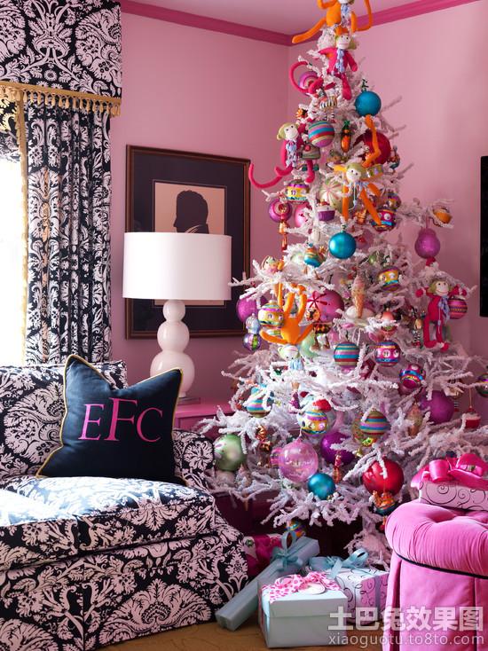 温馨圣诞树装饰效果图