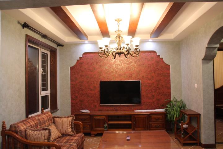 美式风格客厅木龙骨吊顶装修效果图