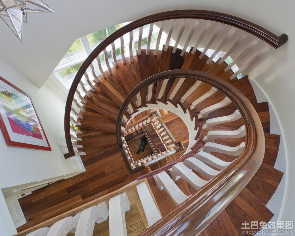 别墅旋转实木楼梯图片