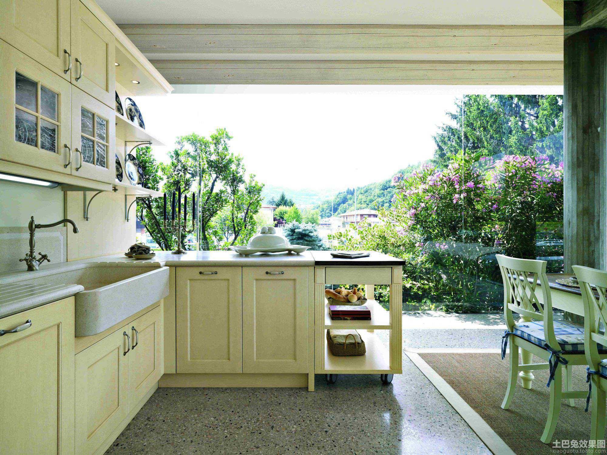 美式风格别墅厨房橱柜图片