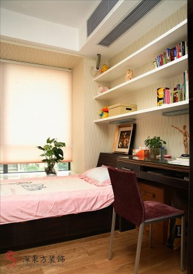 客房兼書房裝修效果圖