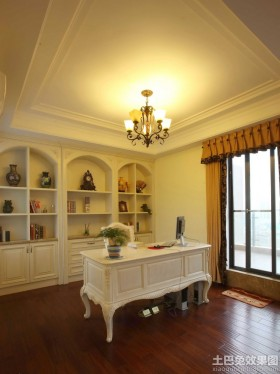 欧式风格书房双层石膏板吊顶效.